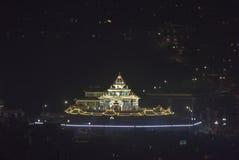 Le paysage de nuit du bâtiment de mandala Images stock