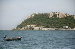 Le paysage de vue de Laem thaen la plage scénique a de Bangsaen de surveillance en Chon Buri, Thaïlande photo libre de droits