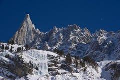 le peack célèbre d'aiguille du dru de europen des alpes Image libre de droits