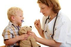 le pediatrist animal a bourré images stock