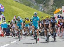 Le Peloton sur Col du Lautaret - Tour de France 2014 Photos stock