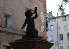 Le Pequeno Barão, rua Mérindol, DES Cardeurs do lugar, Aix-en-Provence, França fotografia de stock