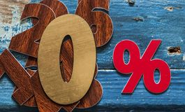 le percentuali del segno sulla tavola di legno Immagini Stock