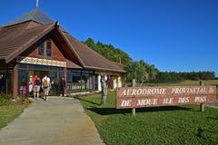 Le petit aéroport du DES d'Ile goupille l'île, Nouvelle-Calédonie Photo stock