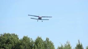 Le petit avion débarque clips vidéos