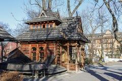 Le petit bâtiment en bois a appelé Pocztowka dans Zakopane Images libres de droits