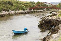 Le petit bateau bleu Photo libre de droits