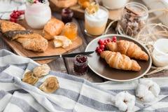 Le petit déjeuner frais Photo libre de droits