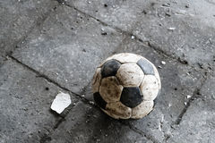 Le petit football images stock
