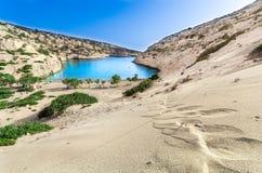 Le petit golfe de Vathi, en Crète image libre de droits