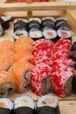 Le petit pain de sushi a fait le plat Photos libres de droits