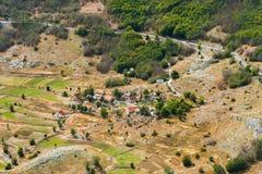 Le petit village de montagne au Monténégro Photos libres de droits