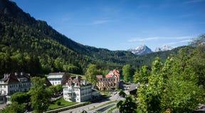 Le petit village près du château de Neuschwanstein Photo stock
