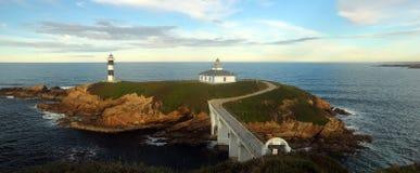 Le phare d'île de Pancha, Galicie, Espagne Photographie stock libre de droits