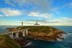 Le phare d'île de Pancha, Galicie, Espagne Images stock