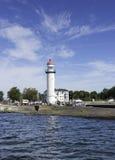 le phare et le port de Hellevoetsluis Photo stock