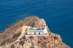 Le phare sur le Punta de l'Albir Altea, Alicante, côte de l'Espagne Photographie stock libre de droits
