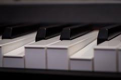 le piano verrouille le plan rapproché, instrument de musique photographie stock