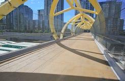 Le pied Brdge plus de vont des trains, Toronyo, Ontario, Canada Photo stock
