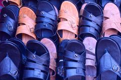 Le pied de mode de chaussure en cuir font attention au plan rapproché photo libre de droits
