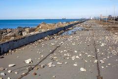 Le pietre sul Mar Nero costeggiano dopo la tempesta, Poti, la Georgia Fotografia Stock