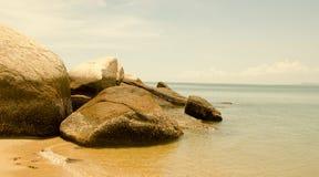 Le pietre sulla costa Fotografie Stock