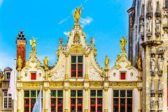 Le pignon fleuri du vieux bâtiment civil de conservateur du Brugse Vrije sur la place de Burg dans la ville de Bruges, Belgique photographie stock libre de droits