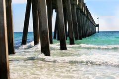 Le pilier à la plage de Pensacola Photos libres de droits