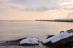 Le pilier de ville en hiver photographie stock