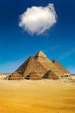Le piramidi di Giza Immagini Stock
