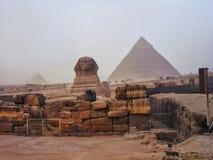 Le piramidi e la Sfinge di Giza nell'Egitto, Medio Oriente Immagini Stock