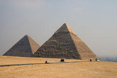 Le piramidi Giza Immagine Stock