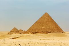 Le piramidi a Giza Fotografia Stock