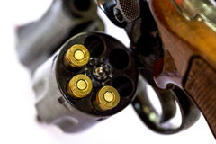 Le pistolet de revolver de 38 calibres a chargé la fin de tube de canon de cylindre vers le haut de W Image libre de droits