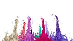 Le pitture ballano con il rallentamento di tempo su fondo bianco La simulazione di 3d spruzza di inchiostro su un altoparlante mu archivi video