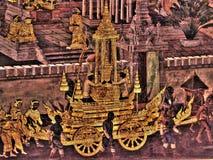 Le pitture murale di Ramayana di, lo straniero combatte i dei e la chimera sulle pareti del palazzo Bangkok, Tailandia di re fotografia stock