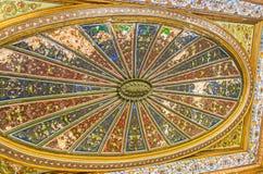 Le plafond coloré de la salle d'Althiburos Photo stock