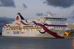 Le plan rapproché baltique de reine de ferry est dans le port maritime de Tallinn Images libres de droits