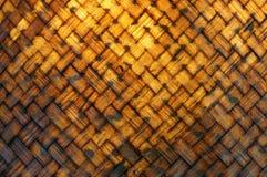 Le plan rapproch? sur un bambou wowen le panier photo stock