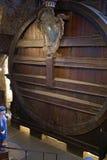 Le plus grand baril de vin dans le monde (château d'Heidelberg) Photo stock