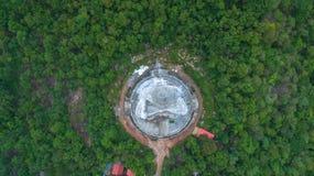le plus grand Bouddha sur la montagne dans l'est de la Thaïlande Photos stock