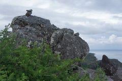 Le point le plus élevé sur la côte du sud de l'île de Rodriguez, située au milieu de l'Océan Indien photographie stock libre de droits