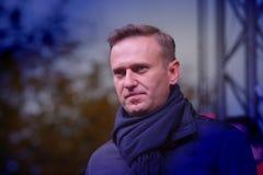 Le politicien Alexei Navalny parle à un rassemblement d'opposition images stock