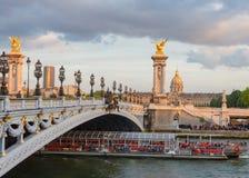 Le Pont Alexandre 3 em Paris Fotos de Stock