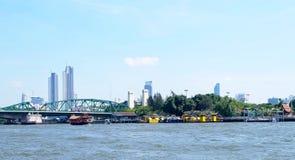 Le pont commémoratif ou pont Bangkok, Thaïlande de Phra Phuttha Yodfa photographie stock