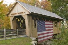 Le pont couvert de marais de Cilleyville dans Andover, New Hampshire Photographie stock libre de droits