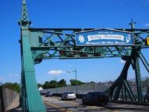 Le pont d'île de ville sera remplacé Photographie stock