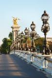 Le pont d'Alexandre III à Paris, vident pendant le début de la matinée Photo stock