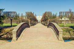 Le pont d'ermitage dans Catherine Park dans Tsarskoye Selo Photos libres de droits