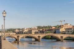Le pont de Carraia d'alla de Ponte à Florence, Italie. Photographie stock